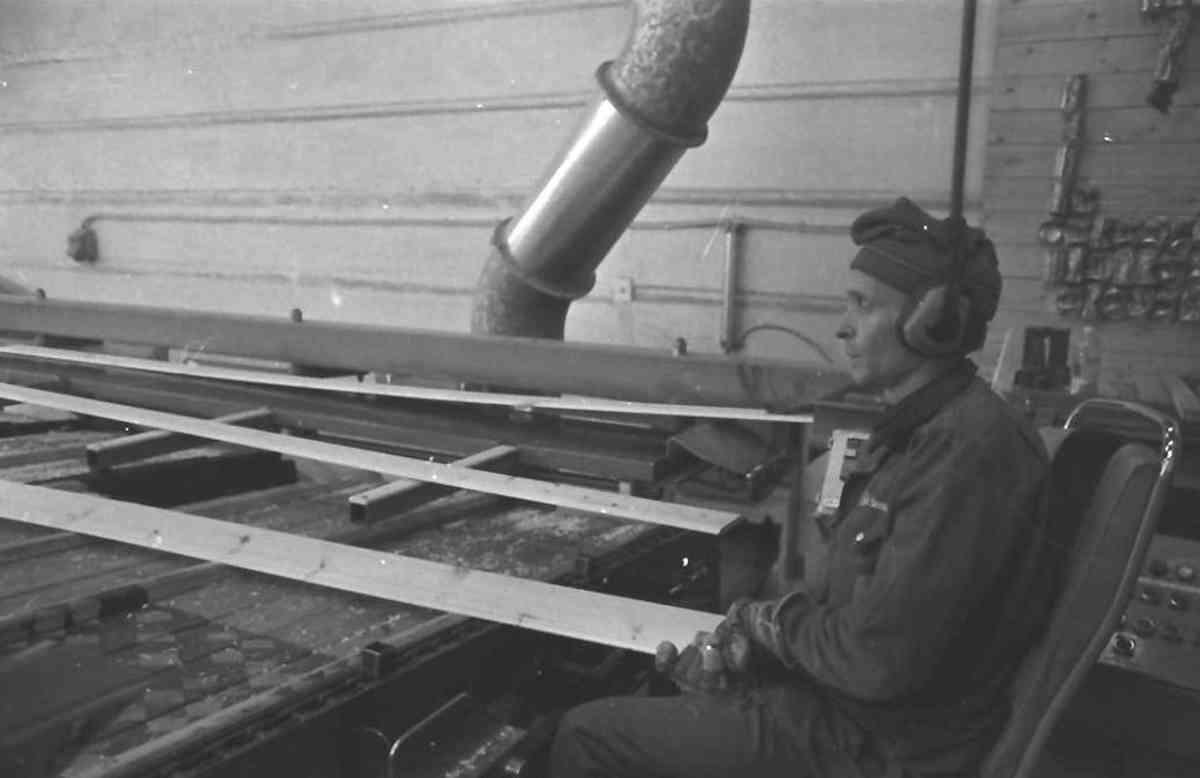 Alvdal Skurlag Trelastproduksjon Foto Grue Per Magne Musea i Nord Østerdalen 1985
