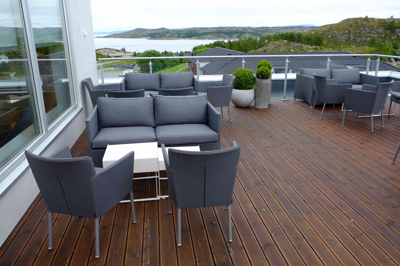 Terrasse AR brun rillet